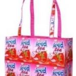 Sac : un cabas recyclé au look fraise
