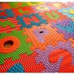 Tapis puzzles : vente suspendue pour trois mois
