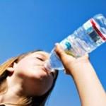 Attention à ne pas boire dans trop d'eau sans uriner !
