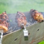 Les Français aimeraient inviter Dany Boon et Gad Elmaleh à un barbecue