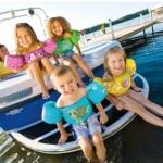 Mieux que les brassards ou le gilet de sauvetage, le Puddle Jumper pour les moins de 6 ans!