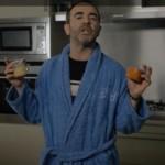 vidéo humoristique : Bruno Solo dévoile ses plaisirs d'être papa…!
