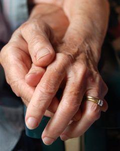 Le RSI et France Alzheimer partenaires pour aider et soutenir les aidants