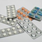 Médicaments: les voyageurs d'Air France sensibilisés aux risques liés à la contrefaçon
