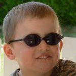 Comment bien protéger les jeunes enfants du soleil cet été