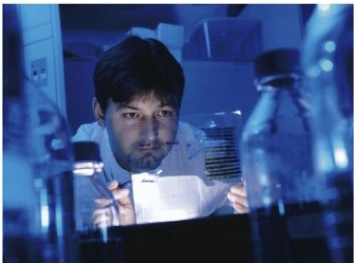 Semaine nationale contre le cancer: les industriels du médicament innovent